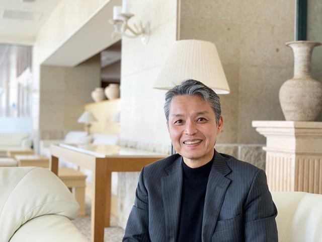 ザ・ウィンザーホテル洞爺の総支配人、長田晋 氏。